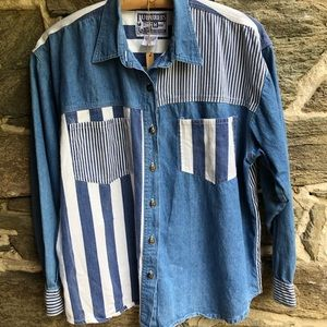 No Barriers Stripped Denim Button Down Large
